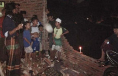 Puluhan Rumah di Bogor Hancur Disapu Puting Beliung - JPNN.com