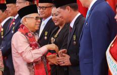Bupati Klungkung I Nyoman Suwirta Dapat Anugerah Satya Lencana Kebaktian Sosial 2019 - JPNN.com