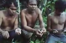 Filipina Serahkan Dua WNI yang Sempat Ditawan Abu Sayyaf ke Kedubes RI - JPNN.com