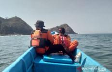 M. Mujib Hilang Terseret Ombak Pantai Payangan Jember - JPNN.com