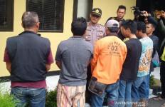 Pemeras Wisatawan di Cipanas Garut Disikat Polisi - JPNN.com