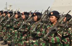 Keren, Puluhan Perempuan Bersenjata Tampak Sigap Saat Upacara Spesial Ini - JPNN.com