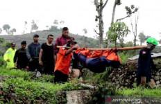 Gunung Sumbing Makan Korban, Pendaki Tewas Tertimbun Longsor - JPNN.com