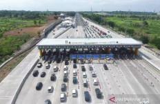 268 Ribu Kendaraan Melintasi Gerbang Tol Cikampek Utama - JPNN.com