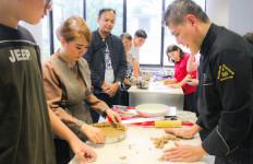 Chef Tusyadi Berbagi Resep Membuat Pie dan Kue Natal - JPNN.com