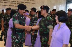 Selamat! 15 Perwira Tinggi TNI Menerima Kenaikan Pangkat, Nih Daftar Namanya - JPNN.com
