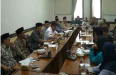 Cek Notifikasi, Bantuan Subsidi Upah Guru Honorer Madrasah Sudah Cair - JPNN.com