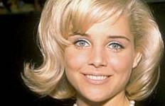 Kabar Duka: Sue Lyon, Pemain Lolita Meninggal Dunia - JPNN.com