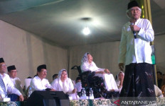 Gus Mus Menasihati Mahfud MD, Hadirin Tertawa - JPNN.com