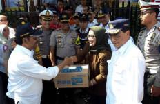 Menhub Budi Karya Tinjau Jalur Puncak Bogor - JPNN.com