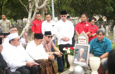 Taufiq Kiemas, Tokoh Bangsa yang Mampu Merajut Silaturahmi dengan Berbagai Kalangan - JPNN.com
