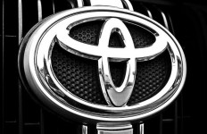Gara-Gara Atur Harga Lexus, Toyota Kena Semprit Tiongkok - JPNN.com