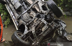 Kecelakaan Tunggal di Jalan Raya Malang-Lumajang, Dua Penumpang Tewas - JPNN.com