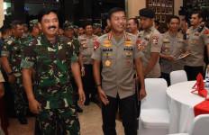 Panglima TNI dan Kapolri Pantau Pengamanan Malam Tahun Baru 2020 - JPNN.com