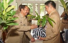 Pensiun, PNS Wajib Bersedekah Tanaman - JPNN.com