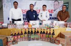 BPOM Amankan Makanan, Obat dan Kosmetik Ilegal Rp 4,1 Miliar - JPNN.com