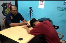 Keji! Pemuda 20 Tahun Gorok Leher Temannya yang Lagi Tidur - JPNN.com
