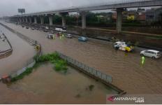 Banjir, Jalan Tol Dalam Kota Gratis Sampai Besok - JPNN.com