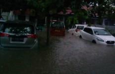 Kiat Bersih-Bersih Kabin Mobil Terendam Banjir - JPNN.com