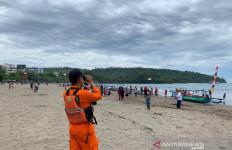 Basarnas Siagakan Personel di Pantai Pangandaran dan Santolo - JPNN.com