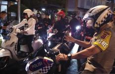 Wali Kota Bogor Gunakan Motor Saat Patroli Pada Malam Tahun Baru - JPNN.com
