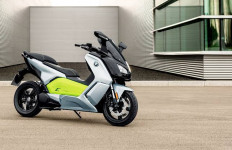 BMW Kembangkan Wireless Charging untuk Motor Listrik - JPNN.com