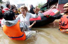 Nikita Mirzani Sumbang Rp 20 Juta untuk Korban Banjir di Ciledug - JPNN.com