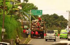 Puncak Bogor Dikepung Sampah Tahun Baru - JPNN.com