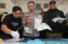 Polisi Terpaksa Tembak Mati Rizal Wahyu - JPNN.com