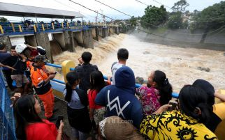 Hujan Sejak Sabtu Dini Hari, Sejumlah Pintu Air Siaga Tiga