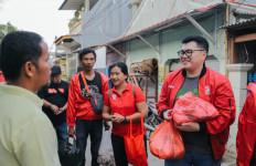 Dapur Solidaritas PSI Salurkan Makanan kepada Korban Banjir Jakarta - JPNN.com