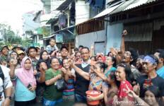 Bagikan Karbol ke Korban Banjir Jakarta, Anies: Sekarang Fase Rehabilitasi - JPNN.com