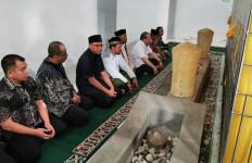 Kunker Hari ke-2 di Aceh, Ketua DPD RI Mengawali Subuh Berjemaah - JPNN.com
