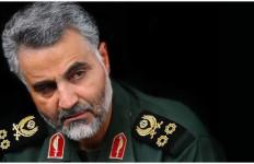 Ribuan Orang Berpakaian Hitam Sambut Jenazah Qassem Soleimani di Iran - JPNN.com