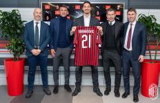 Alasan Unik Ibrahimovic Pilih Nomor 21 di AC Milan - JPNN.com