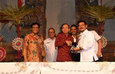 Mentan Dukung Program Satu Juta Ternak Sapi Bali - JPNN.com