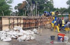 Banjir Surut, Tanggul Mulai Diperbaiki - JPNN.com
