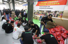 Relawan GoJek Salurkan 4.000 Bantuan Logistik untuk Korban Banjir - JPNN.com