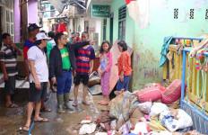 Gus Muhaimin Pimpin Normalisasi Selokan di Kampung Pulo - JPNN.com