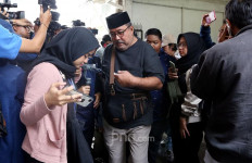 Semasa Sakit, Ria Irawan Enggan Dijenguk Rano Karno - JPNN.com