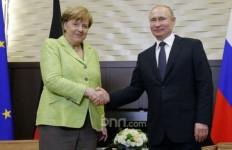 Bicarakan Krisis Timur Tengah, Putin Undang Angela Merkel - JPNN.com