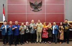 Unitomo Surabaya Berkunjung ke MPR, Studi Hukum Tata Negara - JPNN.com