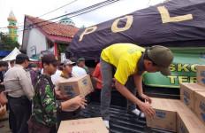 Danone-Aqua Salurkan Bantuan untuk Korban Banjir Jabodetabek - JPNN.com