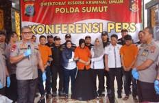 Kronologi Pembunuhan Hakim PN Medan, Ternyata Korban Dihabisi di Samping Putri Mereka - JPNN.com