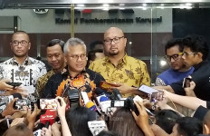 Benar! Komisioner KPU Wahyu Setiawan Ditangkap KPK, Bukan Cuma Dia, Ada 3 Orang Lagi - JPNN.com