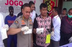 Sekali Operasi, Polisi Sikat Pengedar Ribuan Obat Terlarang dan Senpi Rakitan - JPNN.com
