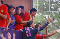 Francis Wewengkang Resmi Jadi Asisten Widodo C Putro di Persita - JPNN.com