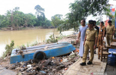 Korban Banjir Mulai Terserang Diare dan Penyakit Kulit - JPNN.com