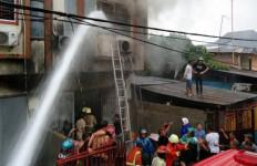 Lima Orang Tewas dalam Kebakaran Hebat di Makassar - JPNN.com
