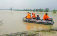 Banjir Susulan, Tiga Orang Selamat Berkat Batang Pisang, Satu Hilang - JPNN.com